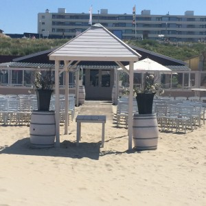 voor de bruiloft naar het strand